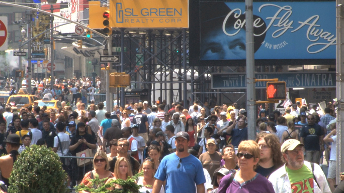 Times Square Crowd Zoom Out